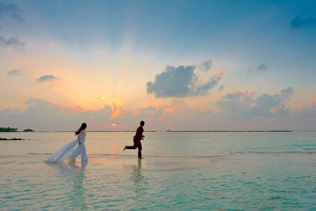 Read more about the article 7 Tips to Make Your Honeymoon Fund a Success
